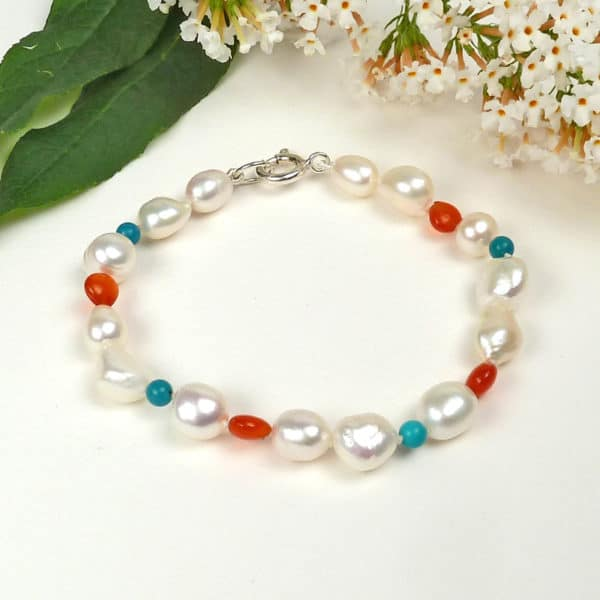 Pearl, carnelian and turquoise bracelet.