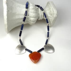 Carnelian, lapis lazuli and carnelian necklace.