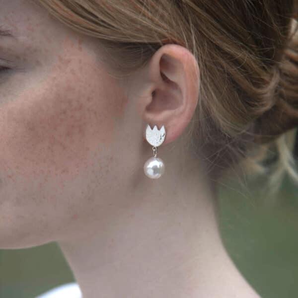 Tulip Earrings - Pearl